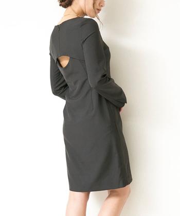 バックオープンドレス