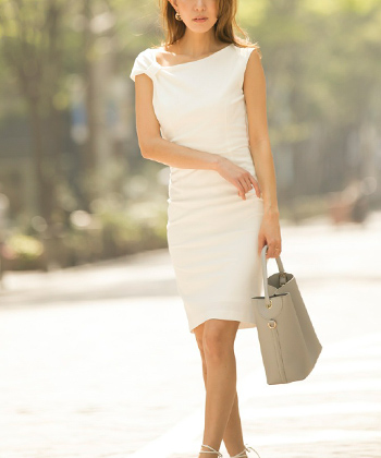 アシンメトリーネックドレス