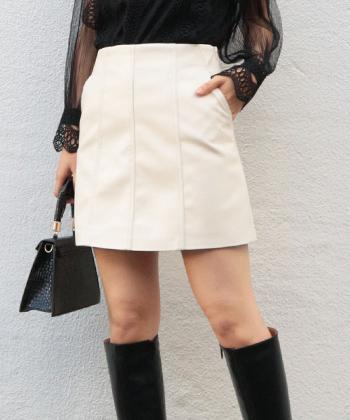 Aラインレザーミニスカート