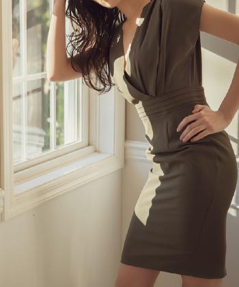 カシュクールタイトドレス