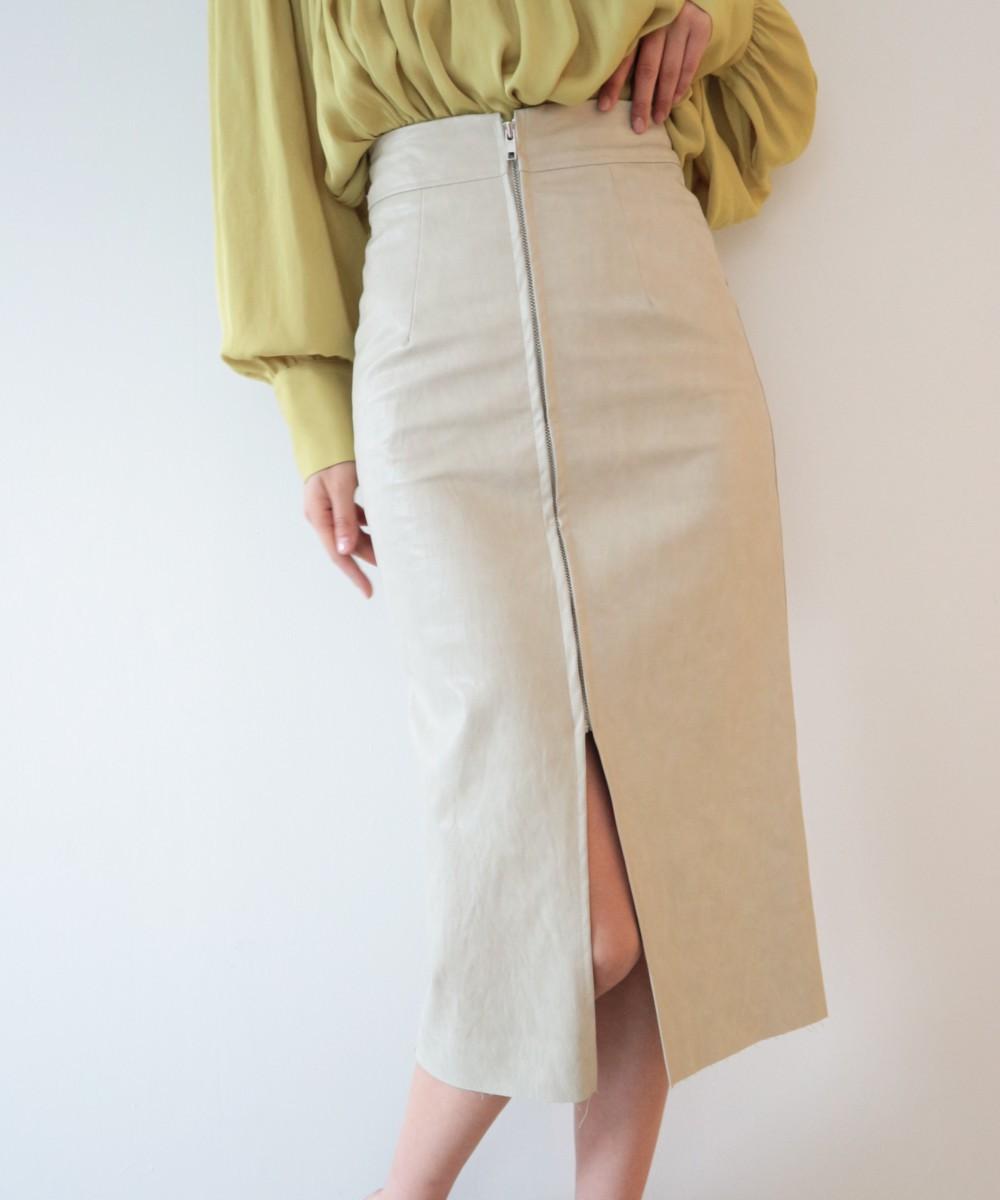 フロントジップレザースカート