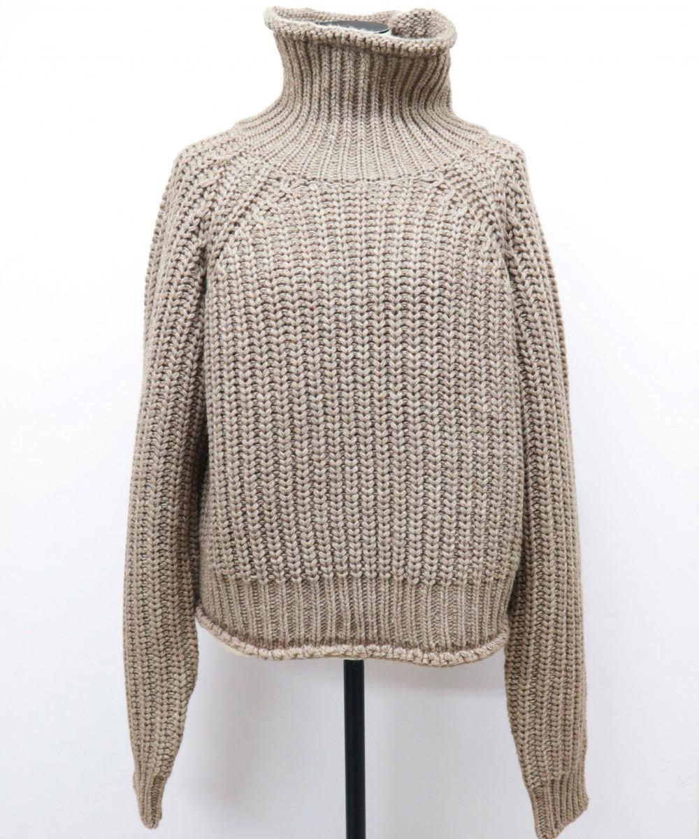 ウールハイネックニットセーター